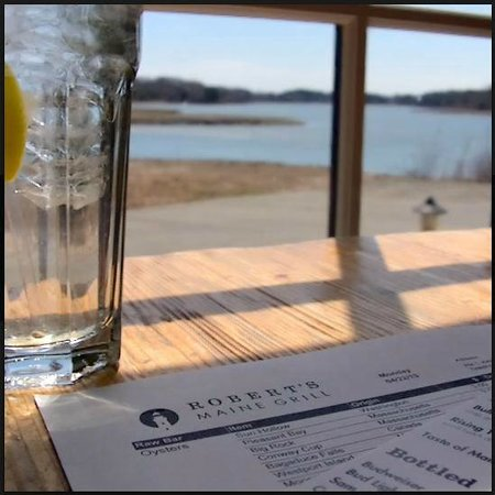 Robert's Maine Grill: Our table & view