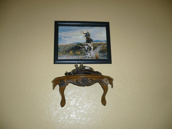 Lake Roberts Motel: Cowboy decorations!