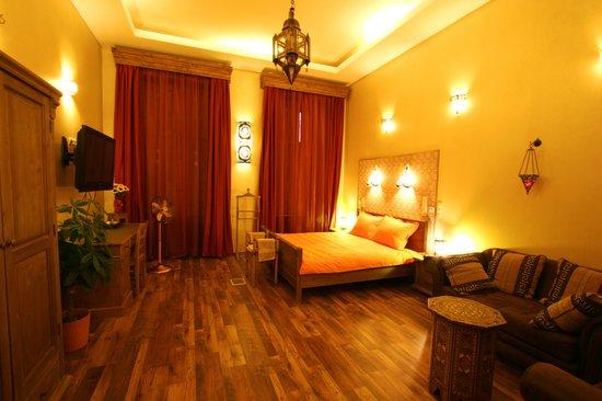 Budapest Royal Suites: Aladdin Apartment