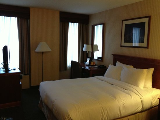 Inn of Chicago: Our Room #1503