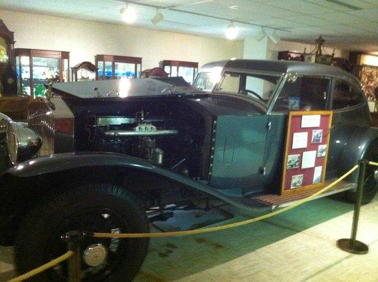 Ralph Foster Museum: car