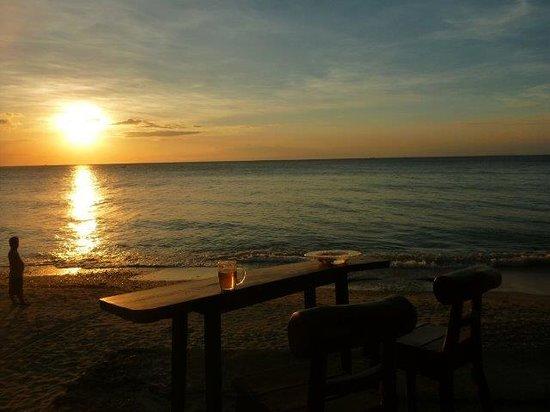 Sunset at Aninuan Beach Resort: Sunset as viewed from the Resort bar