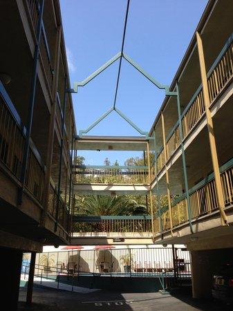 Best Western Hollywood Plaza Inn : Main entry way