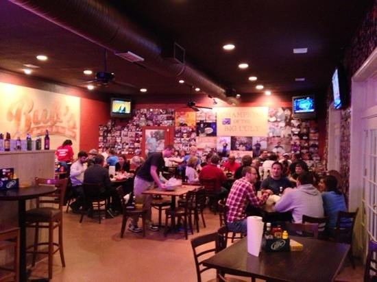 Bub's Burgers & Ice Cream: inside of the place.  there are more rooms.