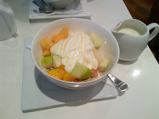 E-Sense Cafe: Fresh Fruit, Muesli,Yoghurt with a drizzle of honey $7!