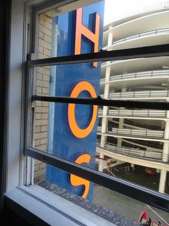Hostelling International- San Francisco/ Downtown: Cartel al frente