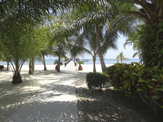 The Placencia Hotel and Residences: beach area