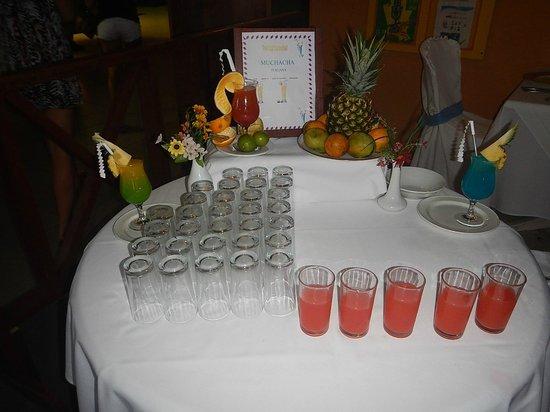 "Grand Paradise Playa Dorada: Drinks they serve you upon entering ""buffet"""