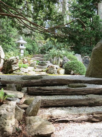 Locust Valley, Estado de Nueva York: Tranquil Trail at Japanese Stroll Garden
