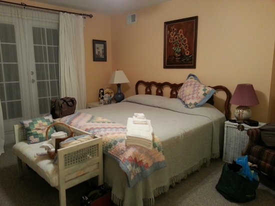 Arbors Bed & Breakfast: Sunset Room