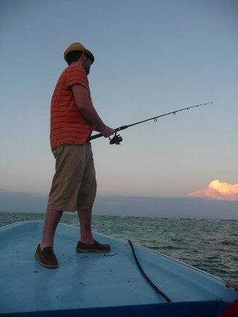 Tranquility Bay Resort: Sunset guided fishing trip