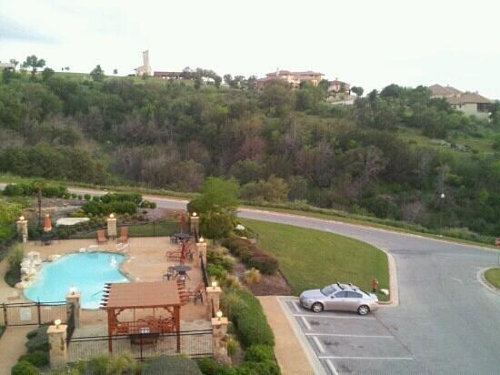 La Quinta Inn & Suites Marble Falls: 401 side patio view