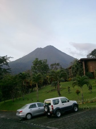 Los Lagos Hotel Spa & Resort: View of arenal from our room