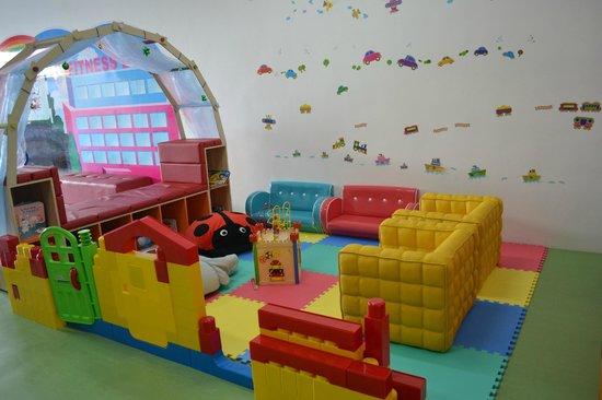 Little Play Loft Imaginative PlayGym: reading area