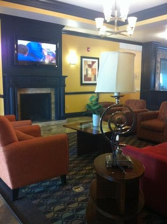 La Quinta Inn & Suites Brandon Jackson Airport E: lobby