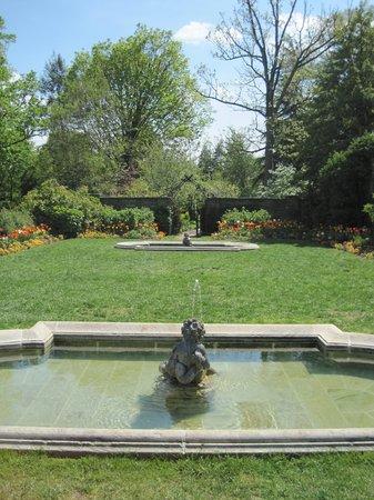 Dumbarton Oaks garden - Picture of Dumbarton Oaks, Washington DC ...
