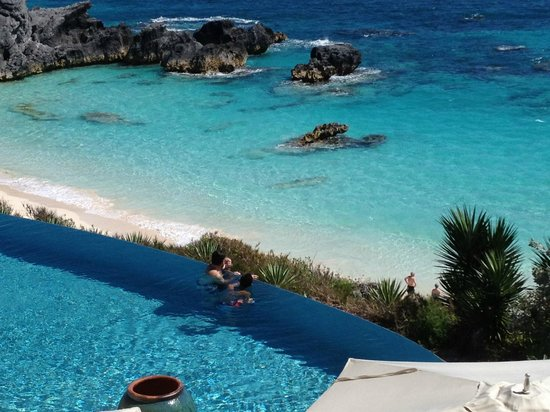 The Reefs: The infinity Pool - Gorgeous