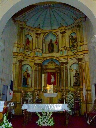 Nata Church: Impressive original altar