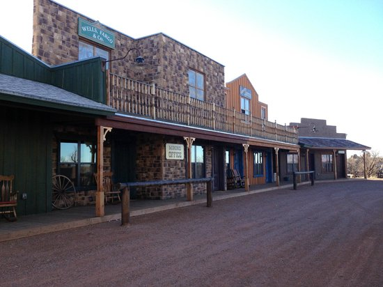 Tombstone Monument Ranch: Rooms near by