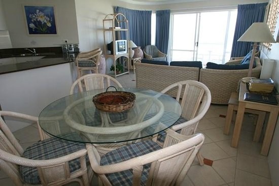 Paros on the Beach: Lounge dinning area