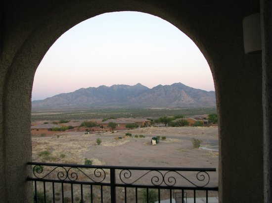 Wyndham Green Valley Canoa Ranch Resort: view from balcony