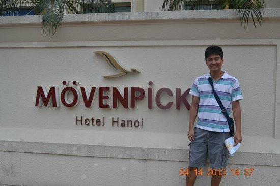 Movenpick Hotel Hanoi: front of the hotel
