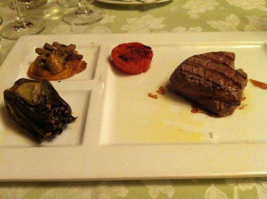 Salles Hotel Mas Tapiolas: cena