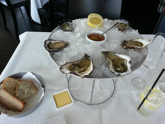 The Boathouse on Blackwattle Bay: Regional oysters tasting plate