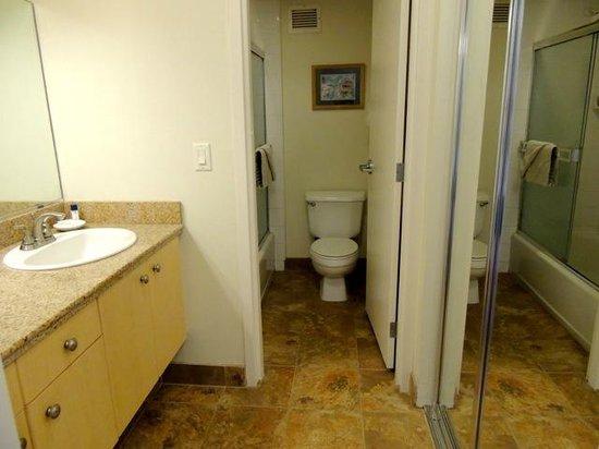 كاهانا بيتش فاكيشن كلوب: Good-size bathroom