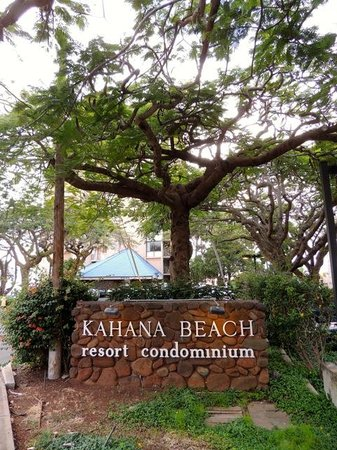 Kahana Beach Resort: Hotel Sign
