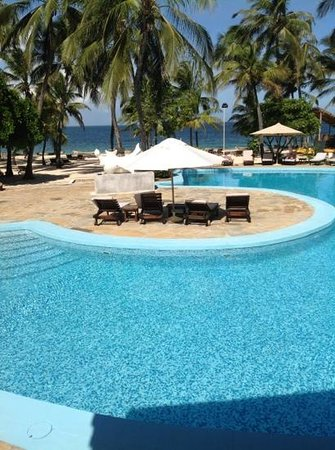 Diamonds Dream of Africa: View of pool and Indian Ocean