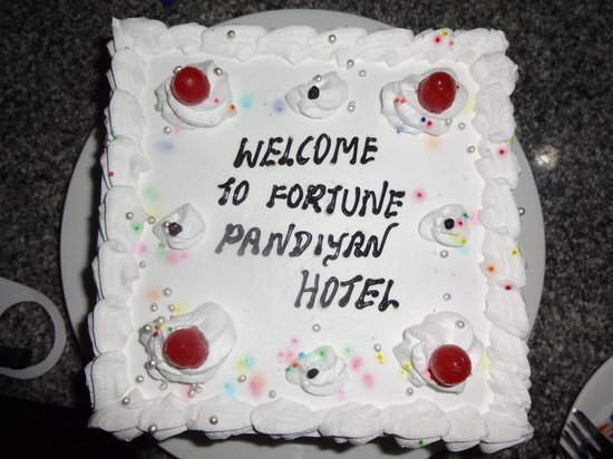 Fortune Pandiyan Hotel: welcome cake