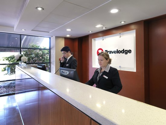 Travelodge Hotel Blacktown: Our Team at Reception