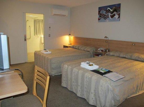 كينجزجيت هوتل أوتولودج بايهيا: Two double-size comfortable beds.