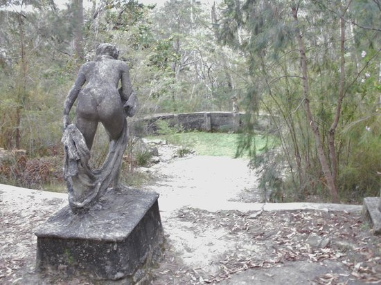 Norman Lindsay Gallery & Museum: the pool