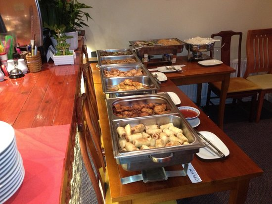 Amorn Thai Restaurant and Cafe: Buffet night at TIff's Thai Restaurant(formally Amorn Thai)