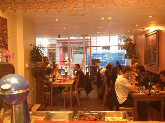Amorn Thai Restaurant and Cafe: A full house at the Buffet night every Sunday 6pm till 9:30pm(booking recommended call 014926425