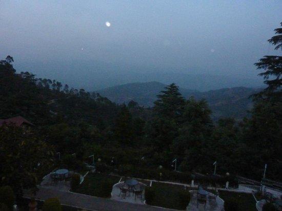 Krishna Mountview Mountain Resort: Night View