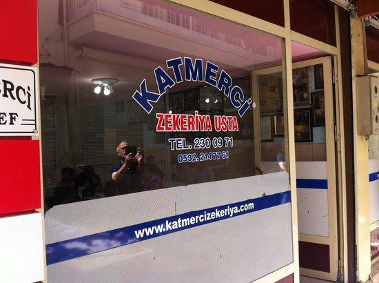 Katmerci Zekeriya Usta : small restaurant - no tables inside