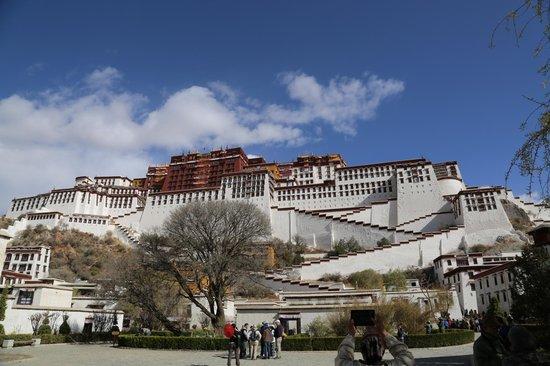 Tibet Highland Tours : Potala Palace - Lhasa, Tibet