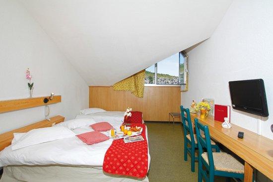 Hotel du Grand Canyon du Verdon : Chambre à l'étage
