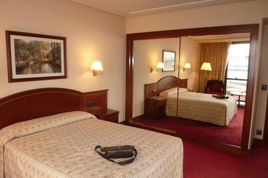 Hotel Bahia Santander: La chambre