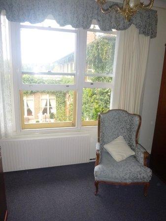 Berida Hotel: corner of our room