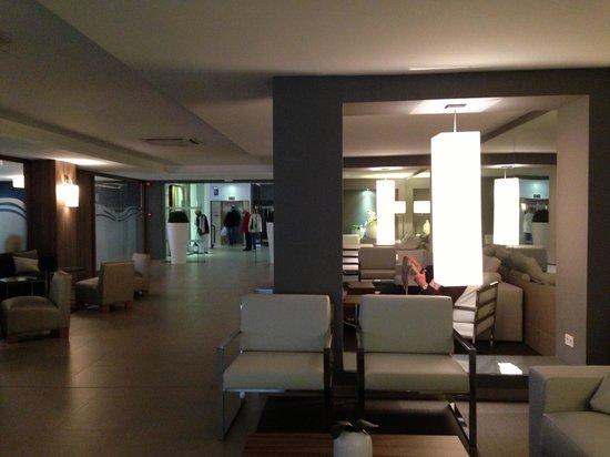 Caballero Hotel: lobby