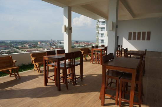 Bellevue Serviced Apartments: Terrasse