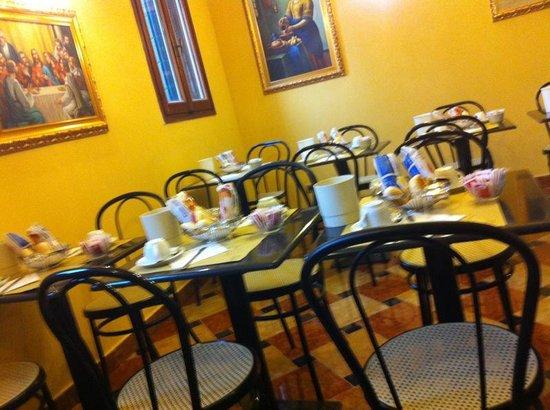Hotel Citta di Milano: Stanza colazione