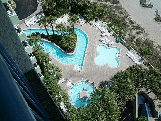 Coral Beach Resort & Suites: Lazy river and hot tubs