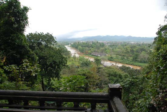 Tham Chang Cave: The view is worth the climb