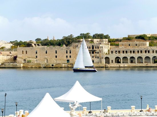 Excelsior Grand Hotel: Manoel Island view