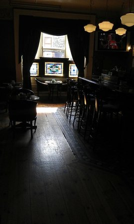 Countrywide Inns - The Greville Arms: Hotel bar
